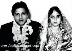 4- SHAHRUKH KHAN'S PARENTS MIR TAJ MOHAMMED & FATIMA BEGUM MARRIAGE PHOTO.jpg